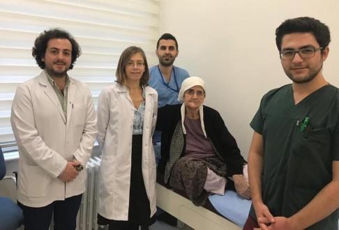 ESOGÜ Hastanesi'nde Bacak Kemiğinden Çene Kemiği Yapıldı