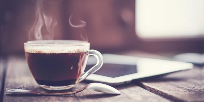 Günde 3 fincandan fazla içmeyin, çünkü…  KEMİKLERİN DÜŞMANI 7 HATALI ALIŞKANLIK!
