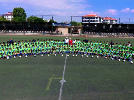 Odunpazarı Belediyesi Futbol Yaz Okulu çalışmalarına devam ediyor